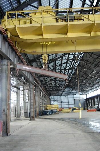 25 Ton Crane with Spreader Bar - Building 1